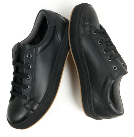 Will's Vegan Shoes New York Trainers Black