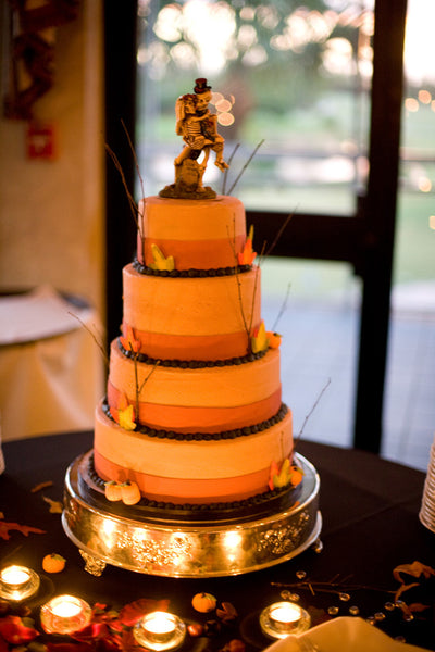 5 Tips for Throwing the Perfect Halloween-Themed Wedding!
