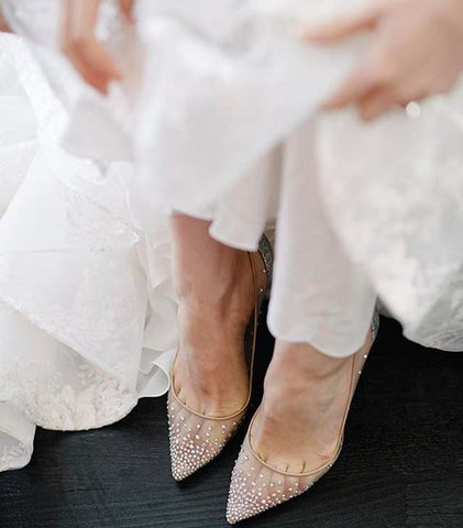 match textures to your wedding dress and shoes