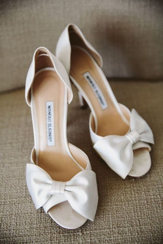 5c815f96b2b 13 Important Bridal Tips for Your Wedding Shoes