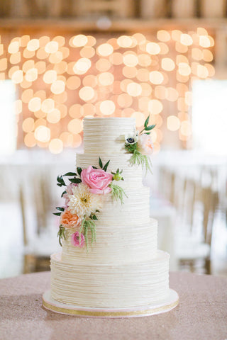 Buttercream wedding cakes save money