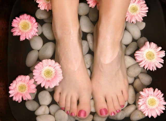 Pretty Feet Rock Pedicure