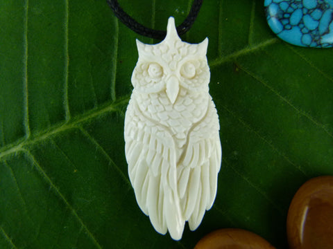 White Horned Owl Necklace - Carved bone - X031