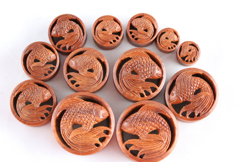 8mm 30mm one pair Koi Fish Tunnels PA39 Carved Koi Fish Plugs Ear Tunnels hand carved from sawo wood