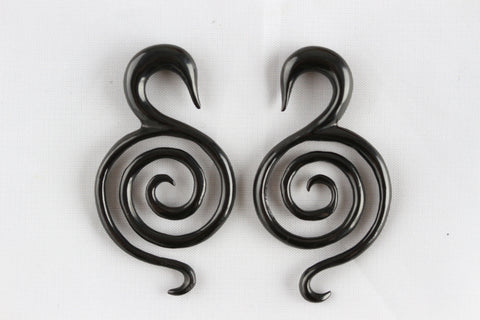 Black Maze Stretching Earrings