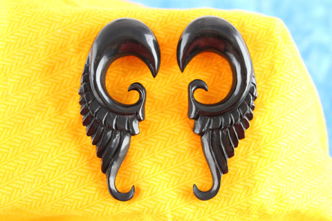 Black Horn Feather Gauged Ear Plugs