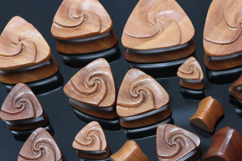 Wood Triangle Flower Plugs (Pair) - PA113
