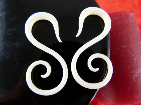 S Curve Stretching Earring Hangers