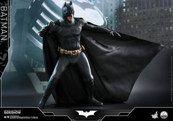 Batman Quarter Scale Figure - Batman Begins (Hot Toys)