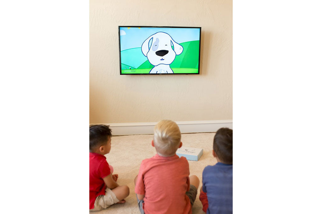 7 Ways Watching Television Benefits Children