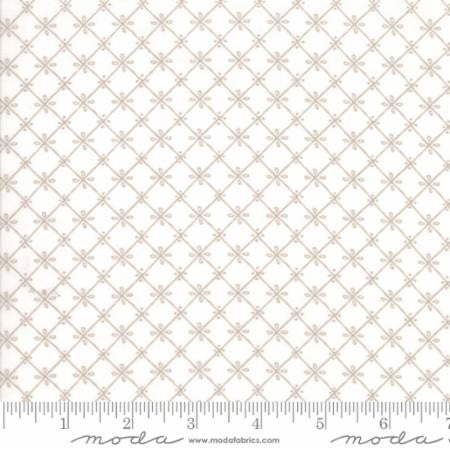 Tiles A Pretty (White) Just Another Walk in the Woods - Stacy Iset Hsu for Moda - Modern Vintage Quilt Shop