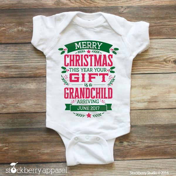 Christmas Pregnancy Announcement to Grandparents
