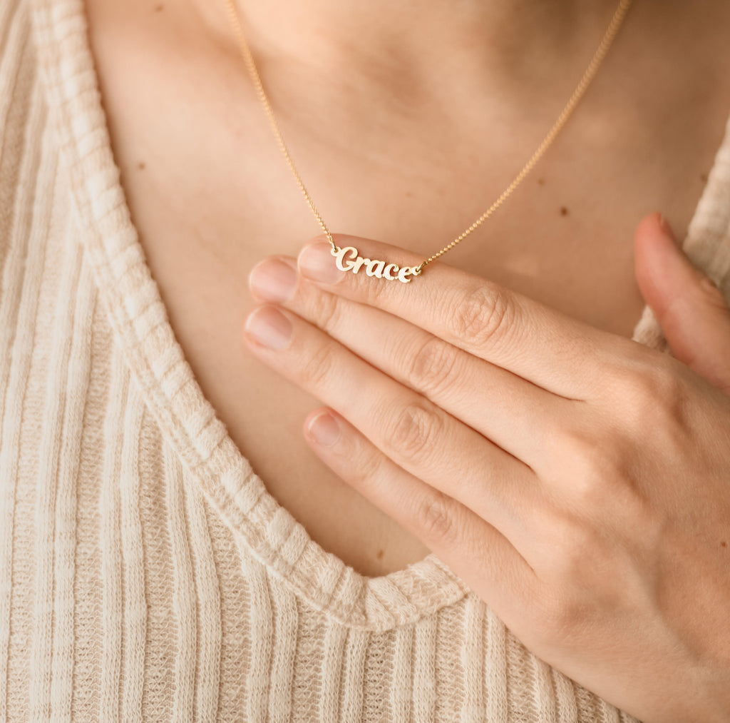 Breezy Script Name Necklace