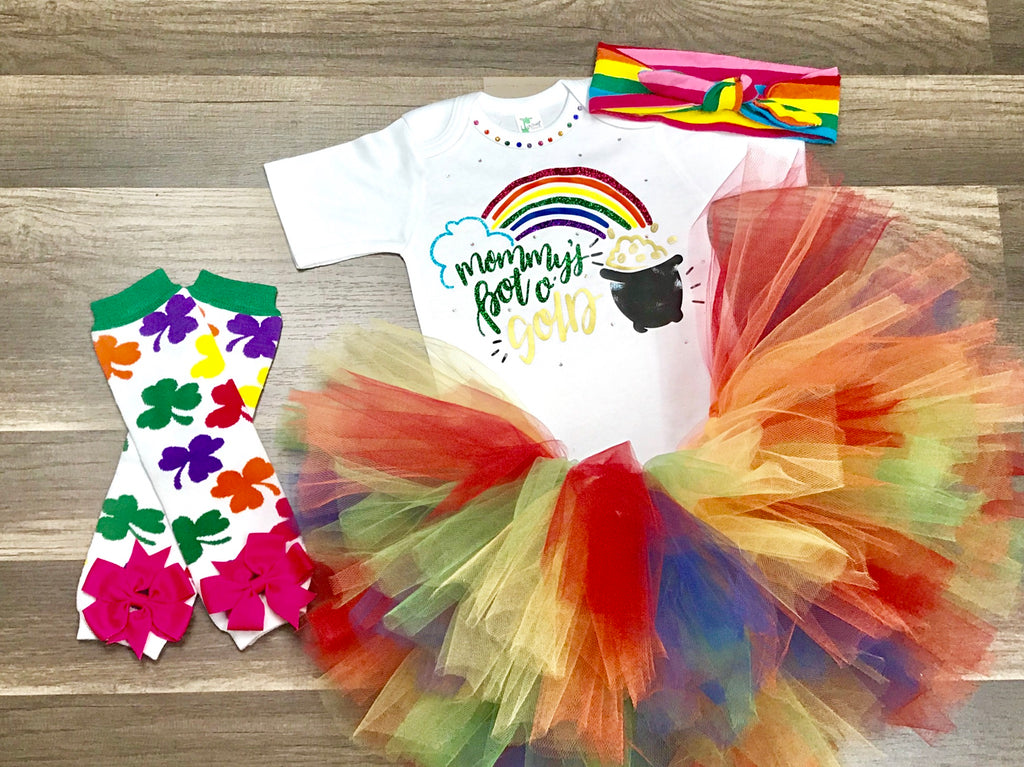 Mommy's Pot O Gold - Paisley Bows