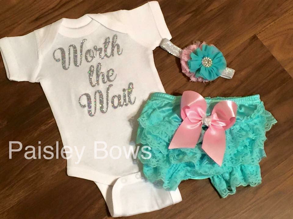 Hello World Coming Home Outfit - Paisley Bows