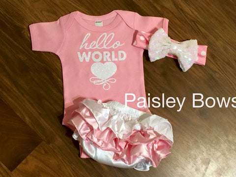 Hello World Newborn Outfit - Paisley Bows