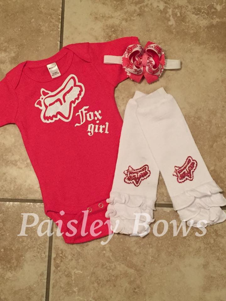 Pink and white Fox girl outfit - Paisley Bows