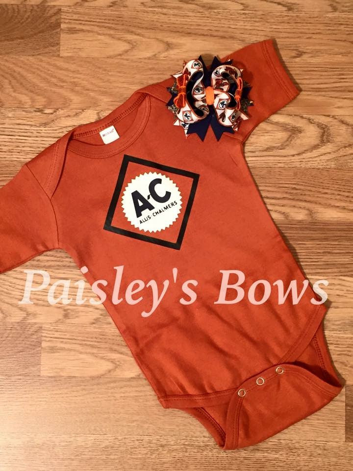 Allis-Chalmers - Paisley Bows