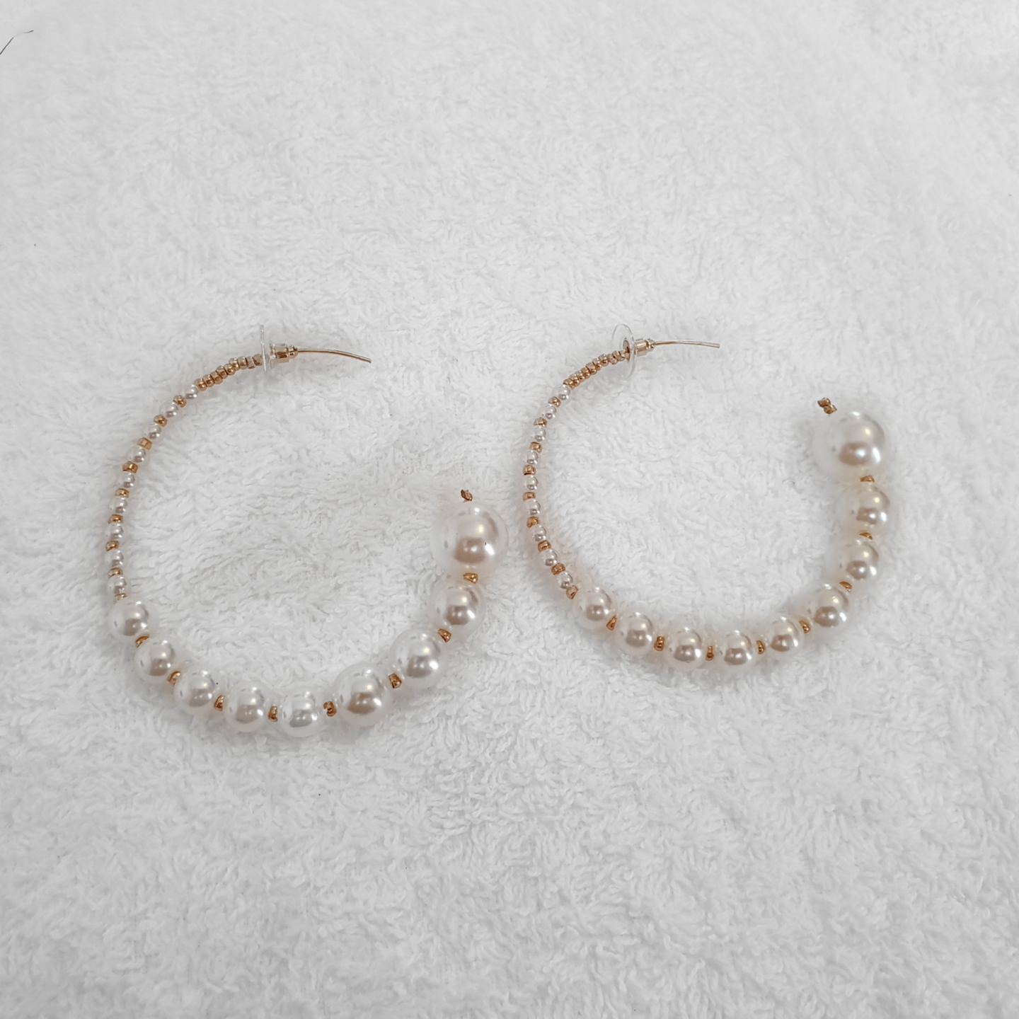 ELLY PEARL HOOPS - EFFIE.K BEAUTY