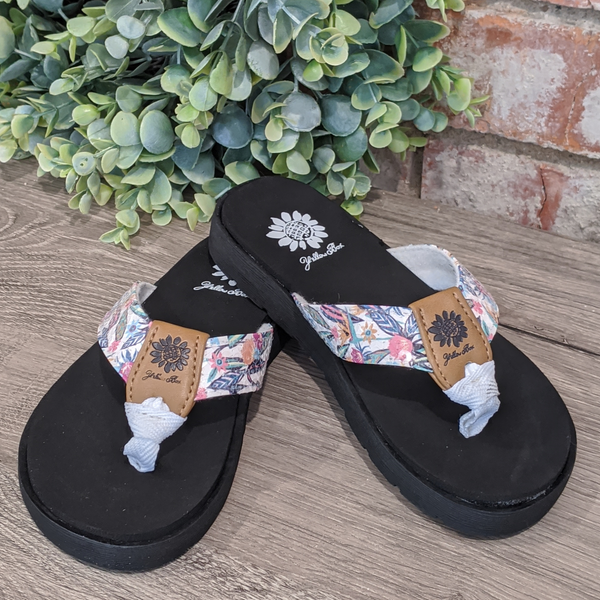 YELLOWBOX Girls White Floral Sandal - Freesia2