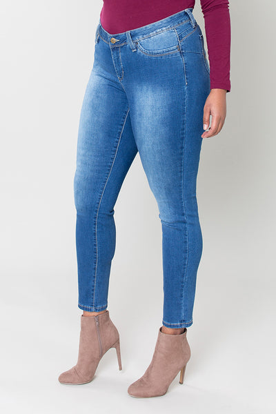 ROYALTY WannaBettaButt 1 Button Skinny Jean PLUS