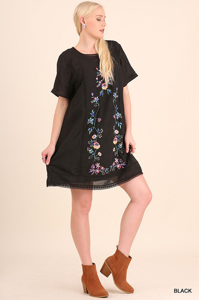 Lindsey Floral Embroidery Dress Plus : Black