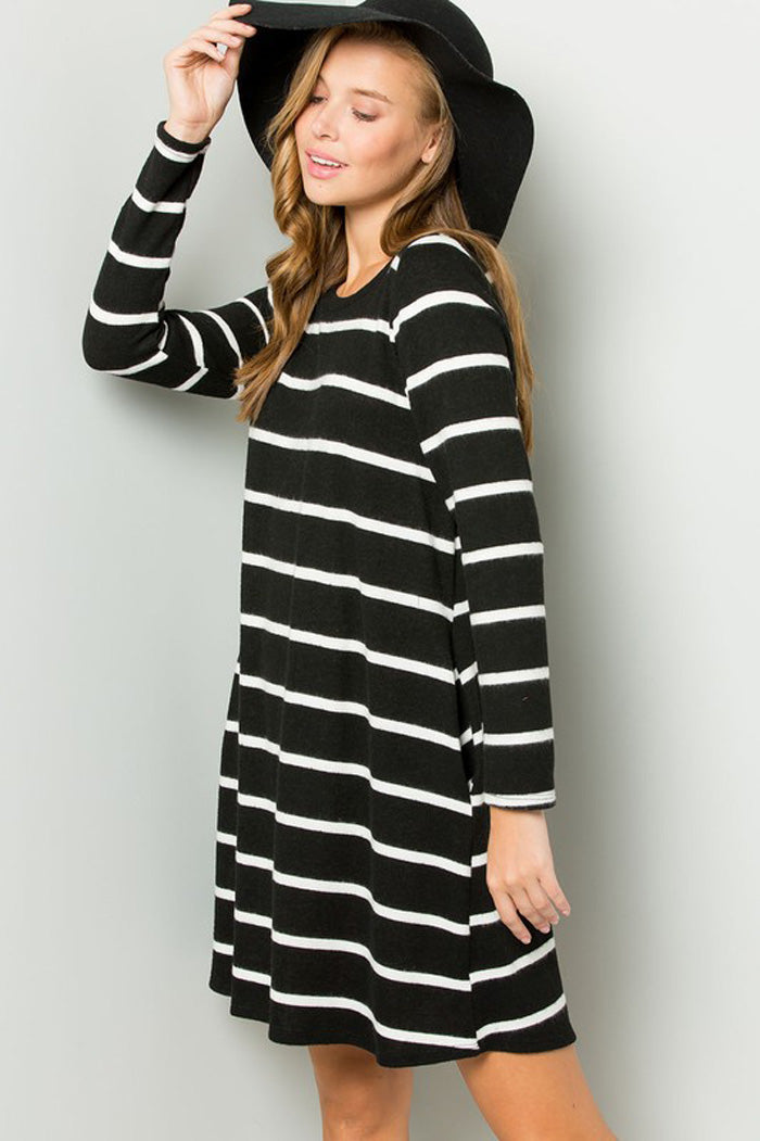 Clara Stripe Swing Dress : Black/Ivory