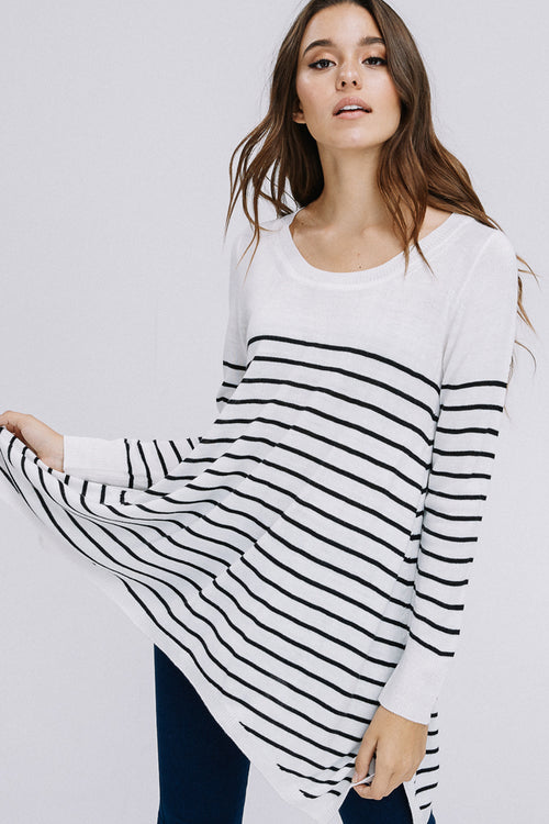 Rosalie Stripe Sharkbite Hem Top : White/Black