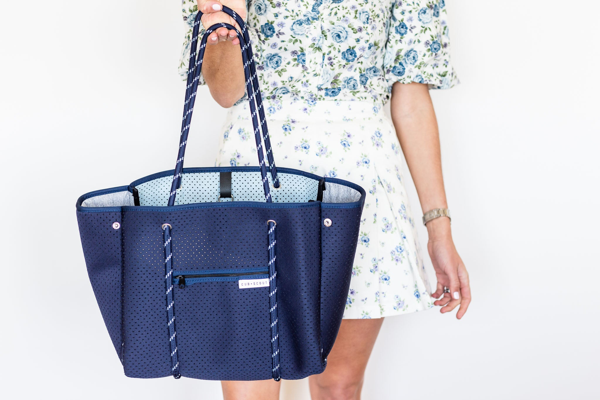 THE LEADER CARRYALL - THE ROYAL