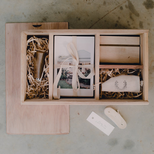 Large Client GIFT BOX - HOLDS USB, 6x4 PRINTS, INCLUDES PRINT BLOCK - Natural Wooden Box Co.