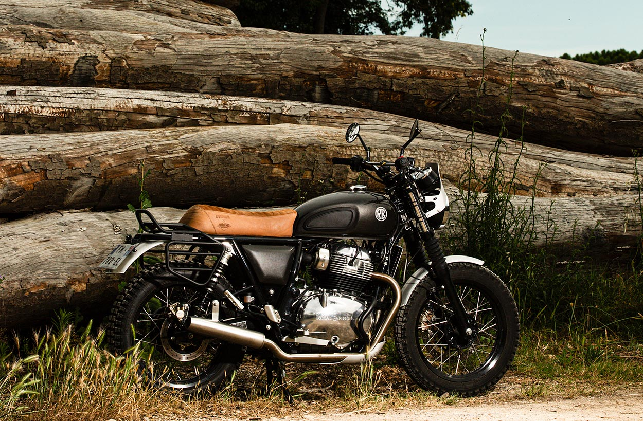 Royal Enfield 650 avec support sacoches.