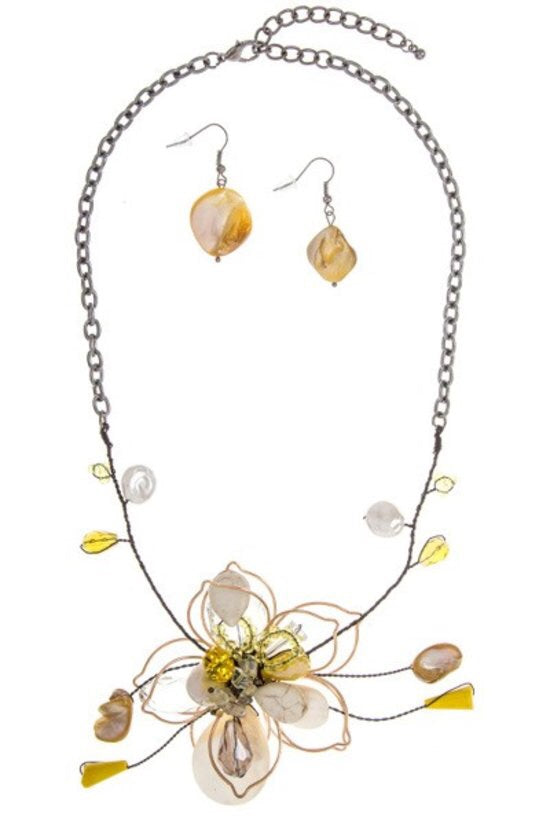 Yellow Wire Flower Necklace - Brass Pocket Boutique