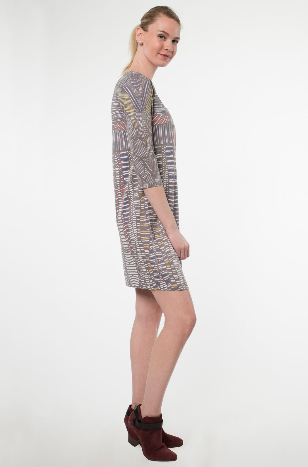 Hawaiian Notch Neck Dress in Carres Print - Atelier5