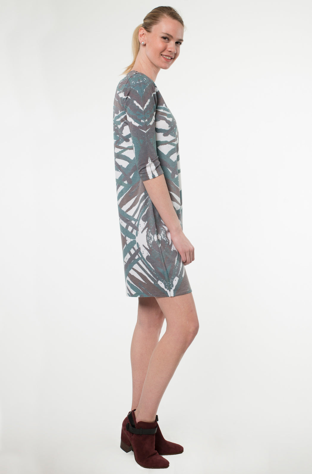 Hawaiian Notch Neck Dress in Unir Print - Atelier5