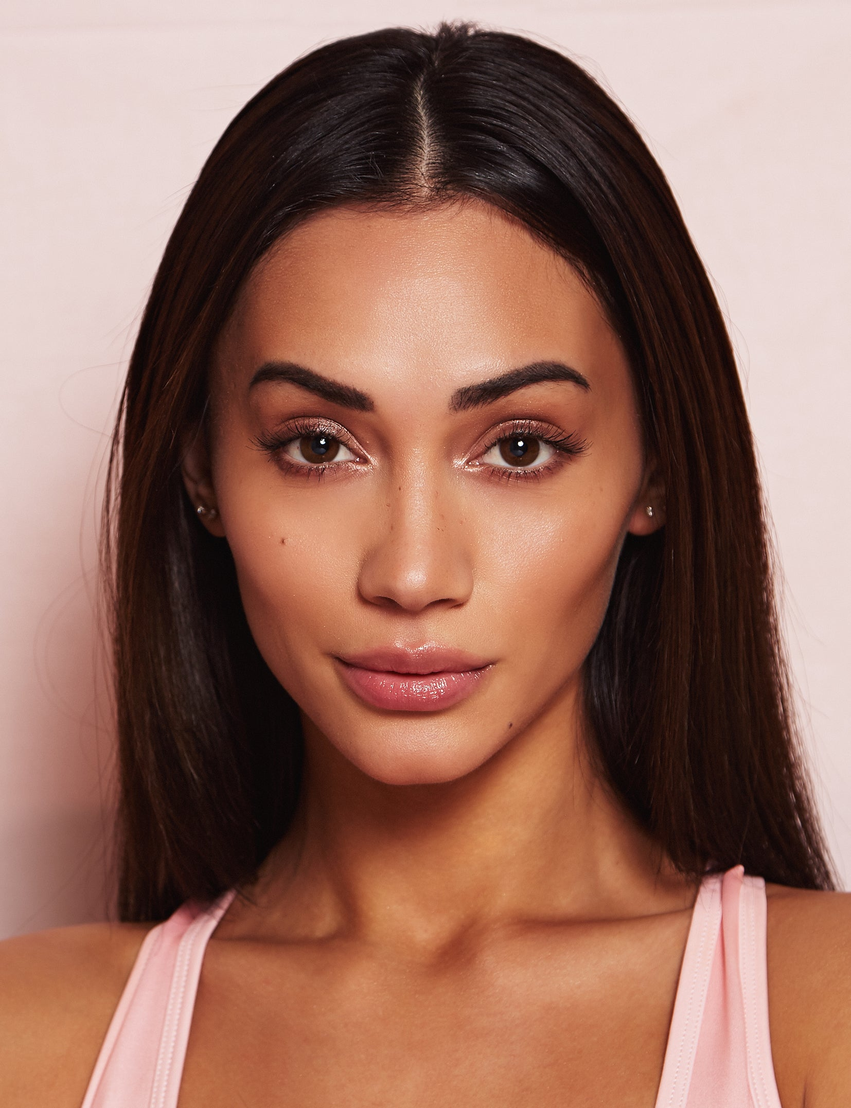 This Lip plumping gloss Nubyen Nude, its our best selling vegan and cruelty free gloss for fuller lips instantly, has natural ingredients such as collagen & hyaluronic acid
