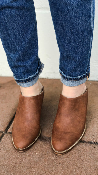 The CANYON Slip-On Stacked Heel Mule
