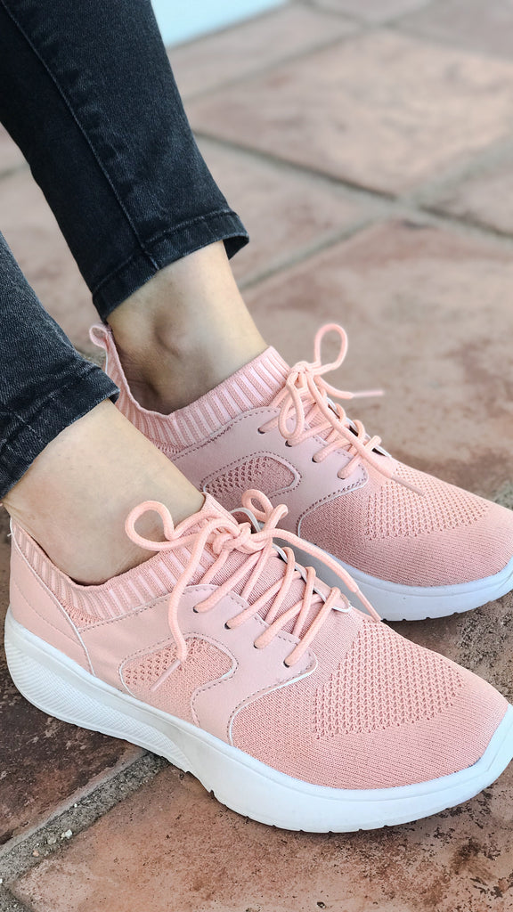 The CALLIE Flyknit Pink Lace-Up Sneaker