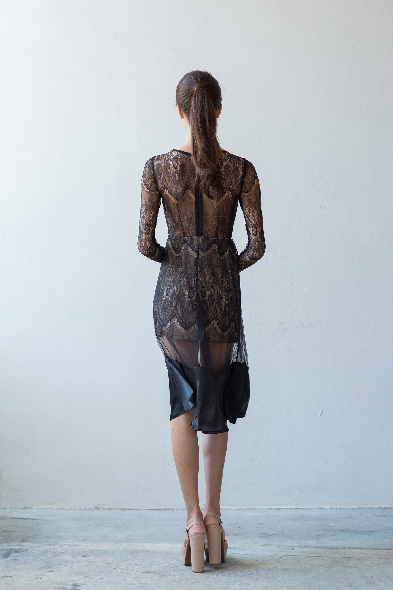 Long sleeve full-lace dress in black