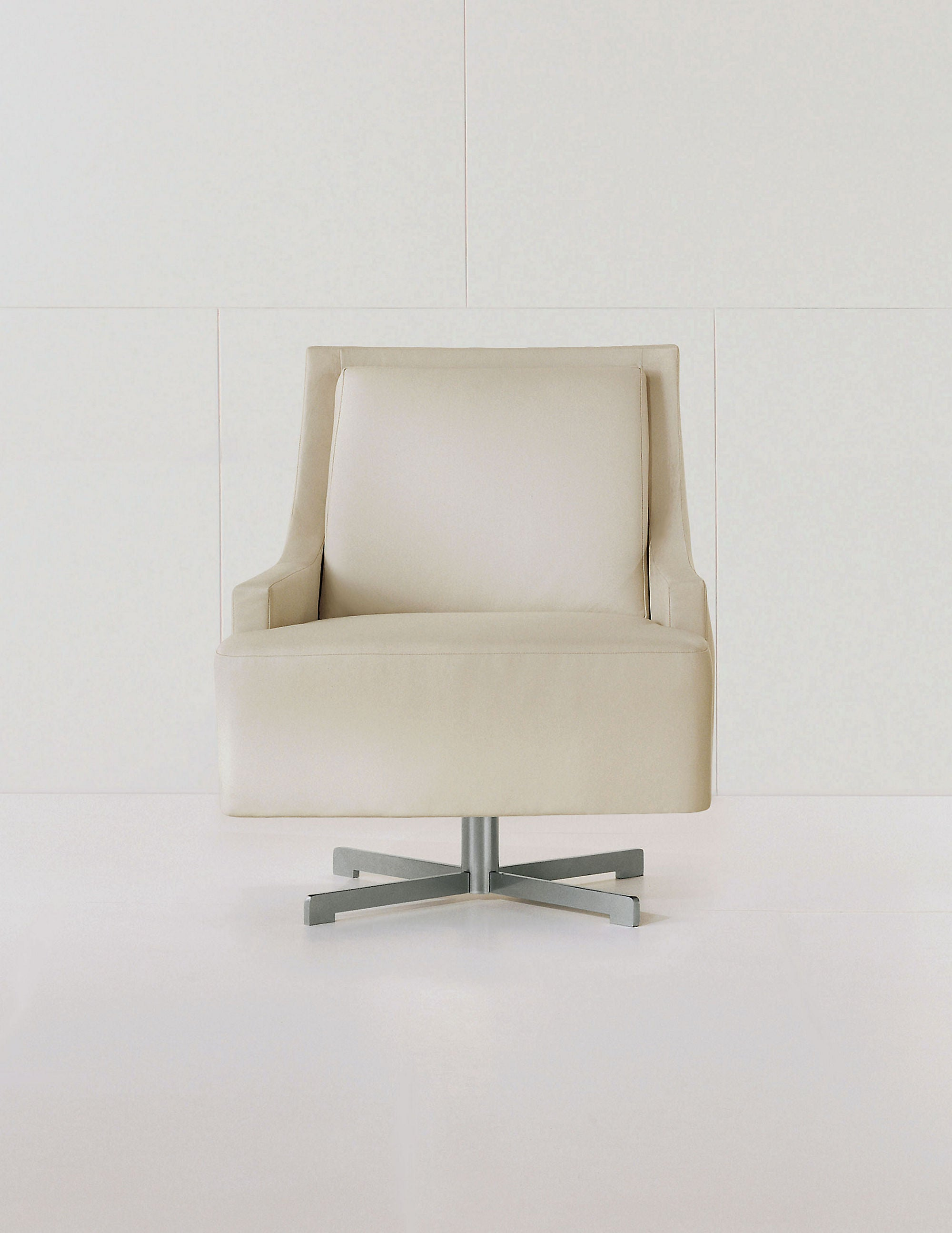 Scoop Swivel Chair in White Leather