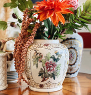 Gorgeous Rimmed Round Earthenware Vase