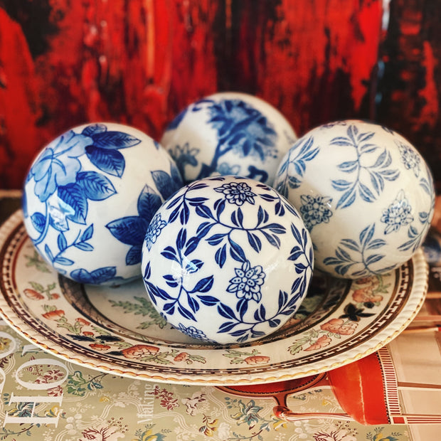 Set Of 4 Blue & White Carpet Balls