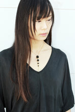Load image into Gallery viewer, Cometa Short Necklace - Short raw stone necklace - MERCe