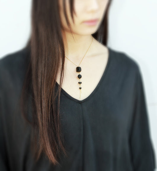 Cometa Short Necklace - Short raw stone necklace - MERCe