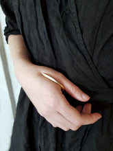 Load image into Gallery viewer, Pak Ring Gold - Avant Garde Between Finger Bronze Ring