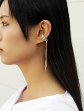 Load image into Gallery viewer, Topa Plus Earrings - Non piercing earrings with chains - MERCe
