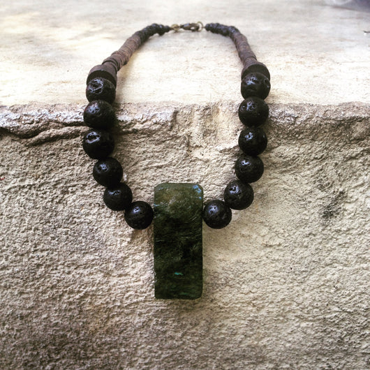 Croma Necklace - Beaded necklace with Labradorite and Lava - MERCe
