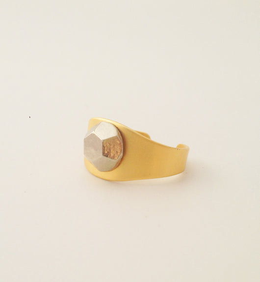 Adjustable Gold Ring with Hexagon Stud - MERCe