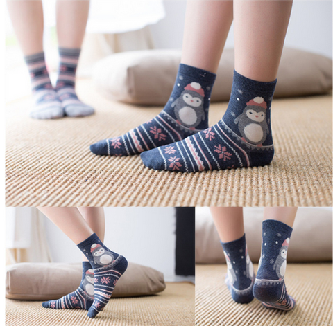 2 Pair 2016 winter new Harajuku Hawaii Japanese cartoon fashionwomen's socks penguin pattern cotton warm sock