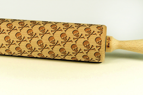 skulls and bones rolling pin, halloween rolling pin, halloween cookies, halloween party, best halloween gifts for baking lovers, skulls and crossbones pattern cookies