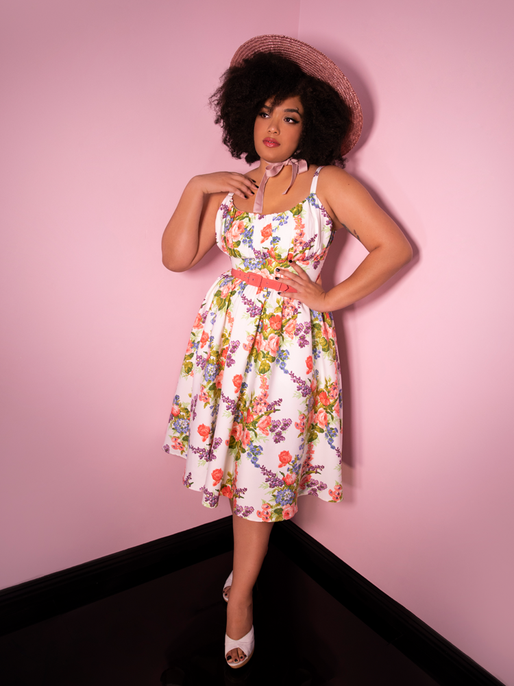Ingenue Dress in White Vintage Floral Print - Vixen by Micheline Pitt